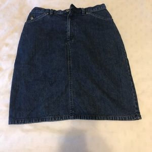 Liz Claiborne Jean skirt size 10